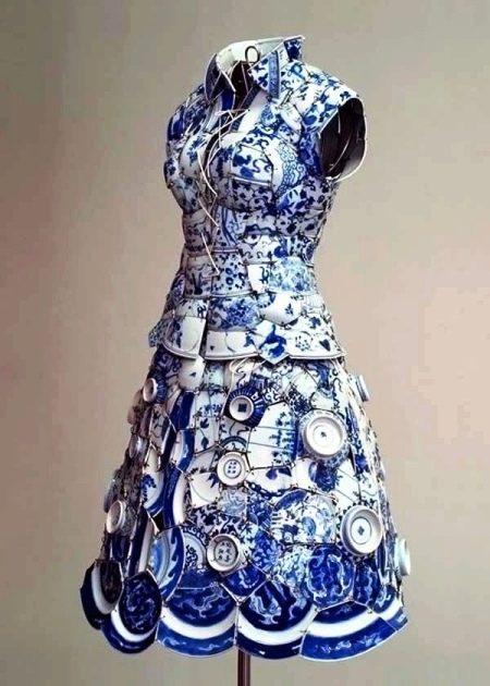 Платье из фарфоровой посуды