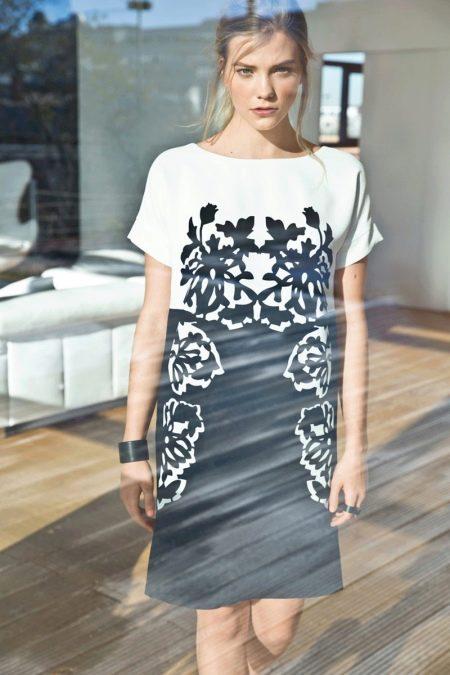 Платье с цельнокроеным рукавом прямое