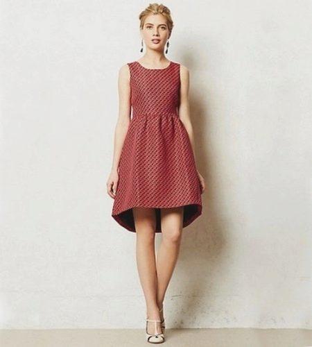Платье с юбкой колокол с асимметричным низом