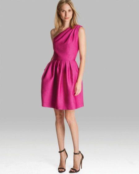 Платье с юбкой колокол для девушек с фигурой прямоугольник