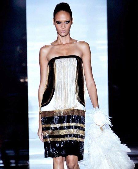 Платье с заниженной талией в стиле джаз от Gucci