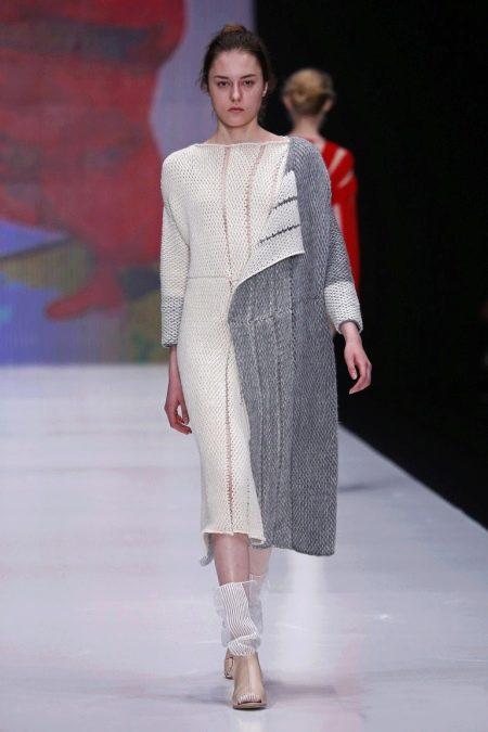 Шерстяное платье двухцевтное
