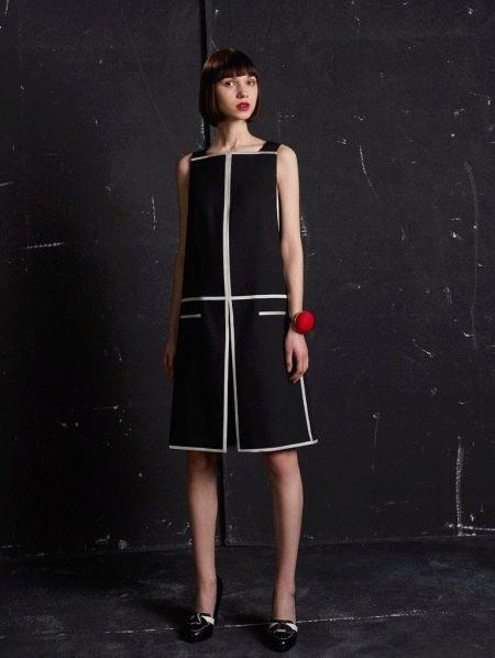 Шерстяное платье-трапеция