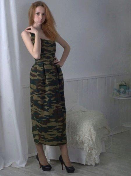 Платье с комуфляжным принтом в стиле милитари