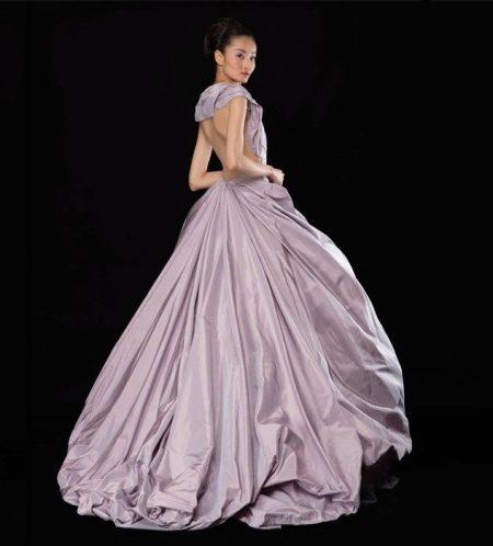 Платье с открытой спиной А-силуэта