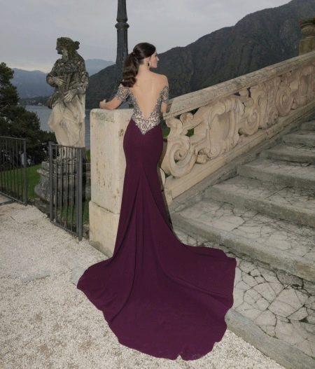 Фиолетовое платье с открытой спиной