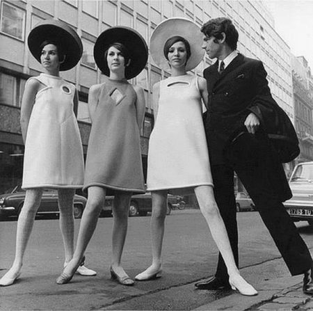 Платья трапециевидной формы 60-х годов