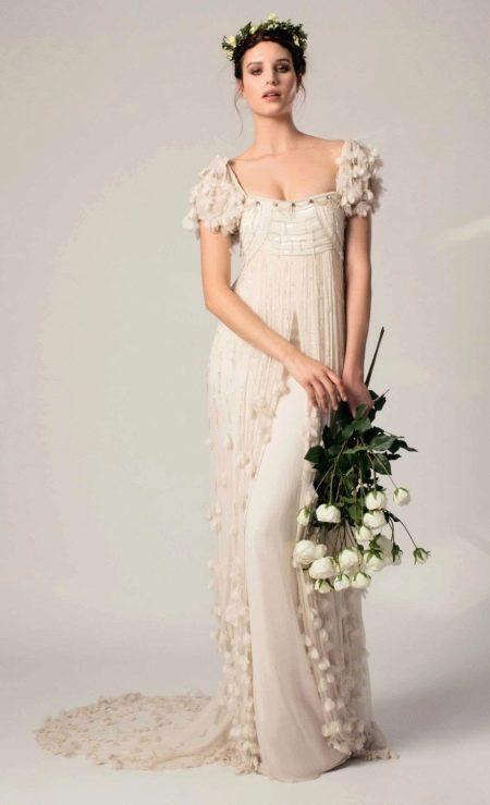 Платье в стиле ампир свадебное с рукавом-фонарик