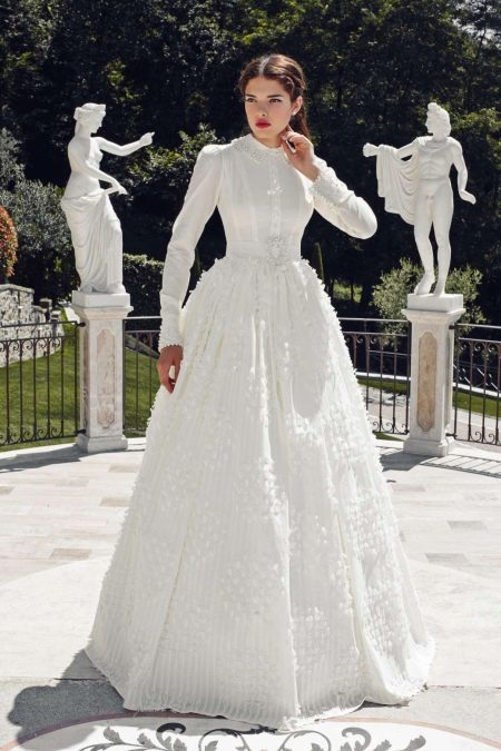 Подвенечное платье закрытое ретро