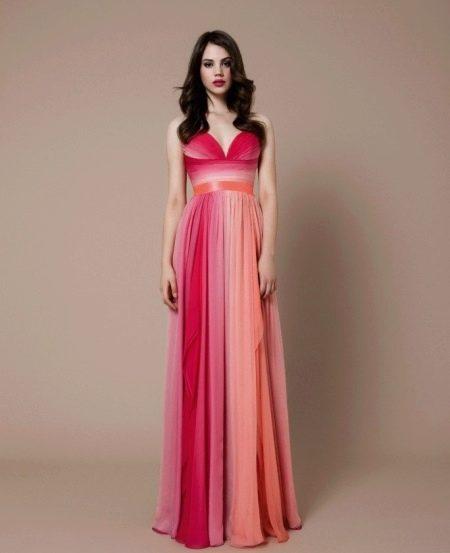 Приталенное  платье вечернее отрезное