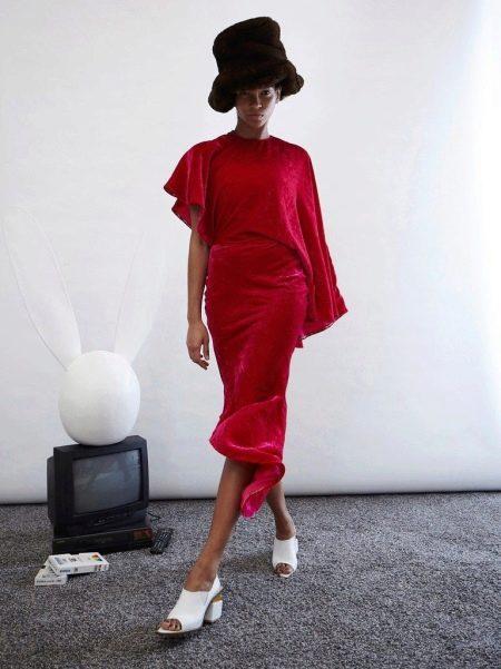 Зимнее платье красное