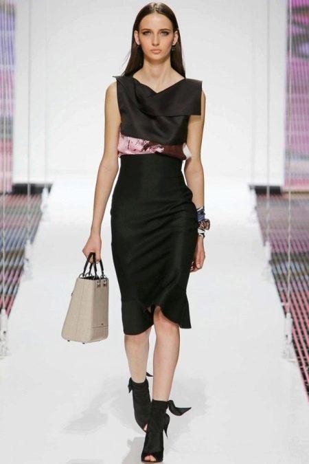 Черное платье прямое