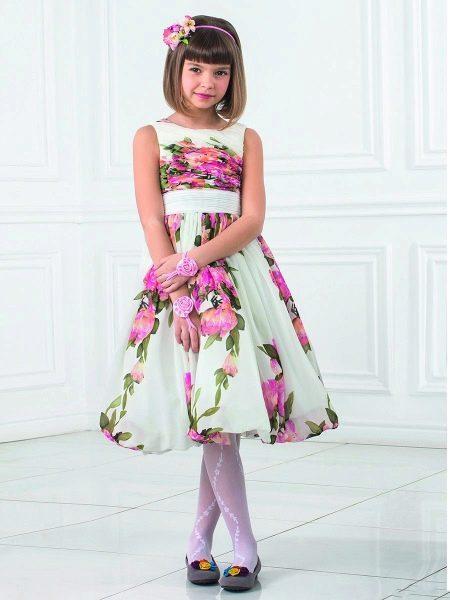 Летнее пышное платье для девочки 5-8 лет