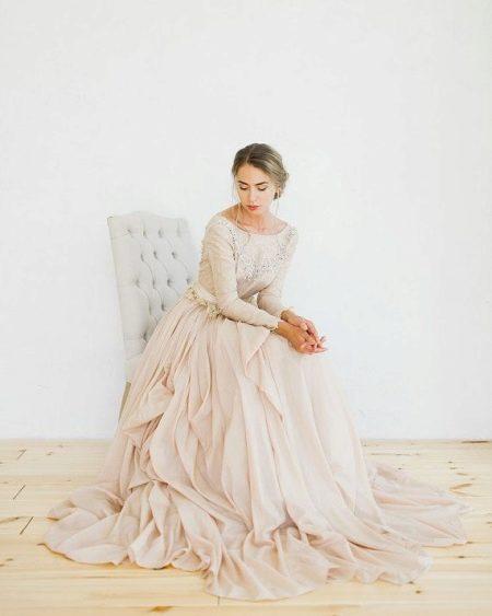 Платье из шелковистого батиста
