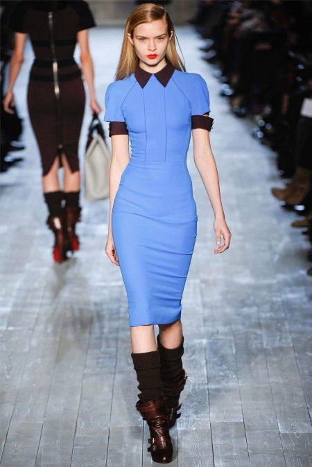 Обувь к синему платью-футляру