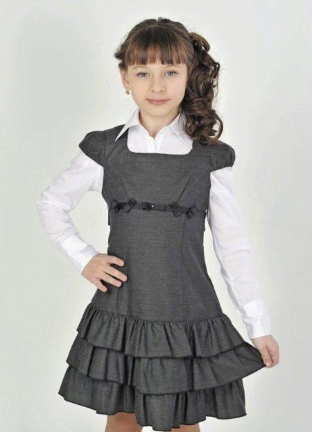 Школьное платье для девочек с рукавами крыльями