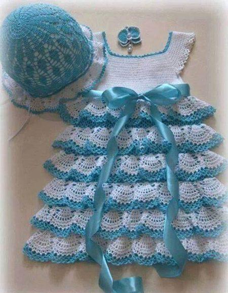 Нарядное платье с оборками для девочки 4-5 лет