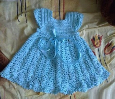 Вязаное платье крючком для девочки до 1 года