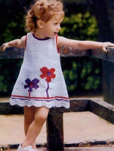 """Вязаное платье """"цветок"""" для девочки спицами"""