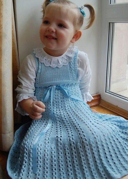 Летнее вязаное платье для девочки