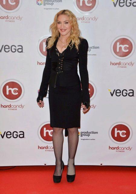 Мадонна в юбке карандаш