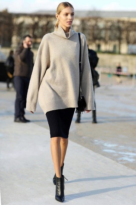 Объемный свитер под юбку карандаш