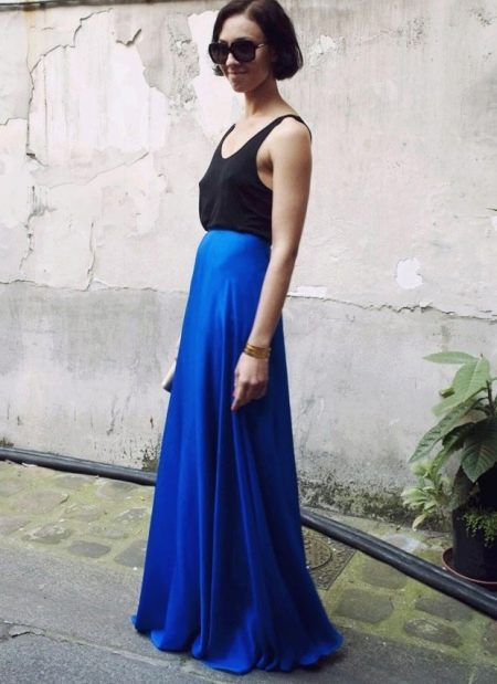 Длинная в пол юбка полусолнце синего цвета