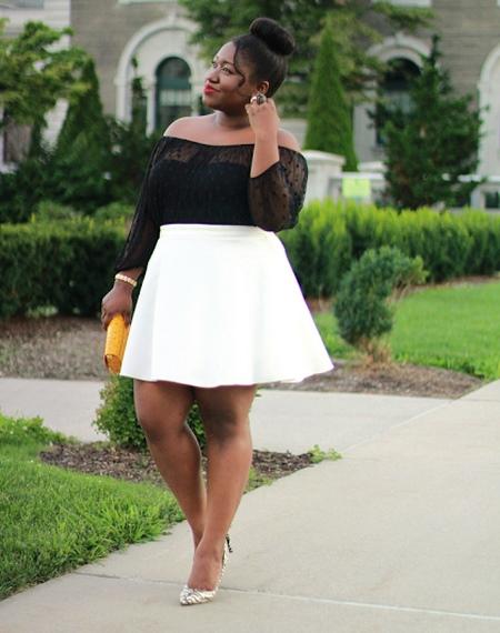 Трапециевидная белая юбка для девушки с фигурой типа Яблоко