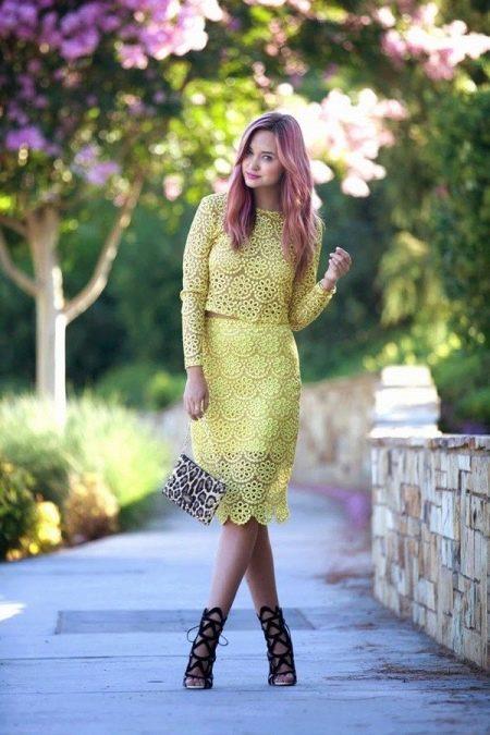 Кружевная желтая юбка карандаш