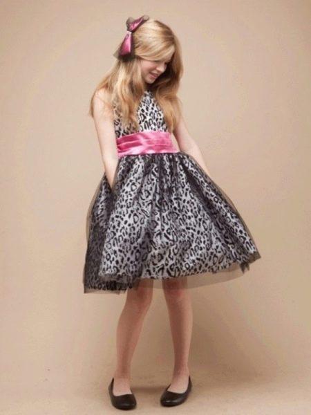 Новогоднее платье для девочки ретро с контрастным поясом