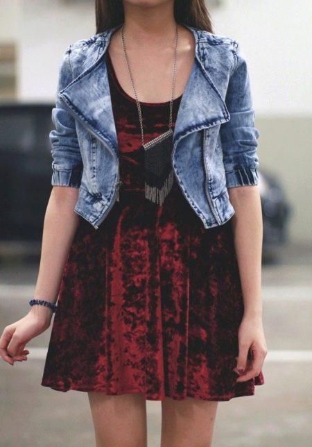 Платье из велюра короткое с джинсовой курткой