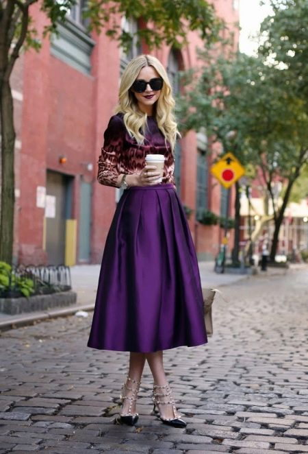 лиловая юбка-миди