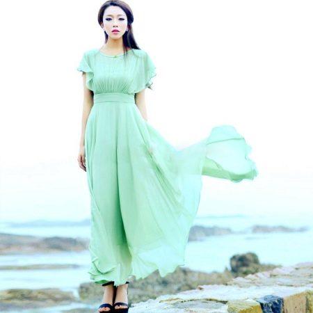 Длинное салатовое платье из шифона