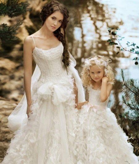 Шикарное  свадебное пышное платье  для девочки