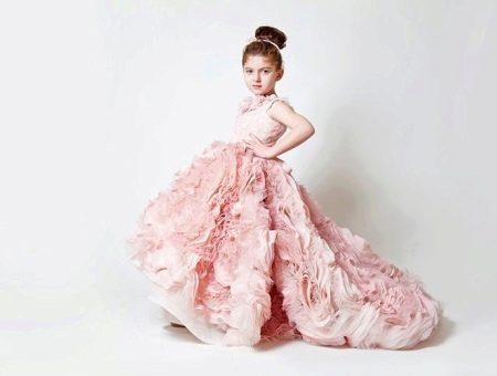 Шикарное бальное платье для девочки со шлейфом