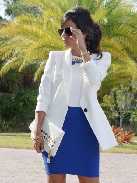 Синяя юбка карандаш - деловой образ