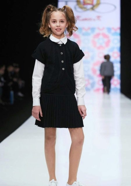 Зимнее школьное платье для девочек