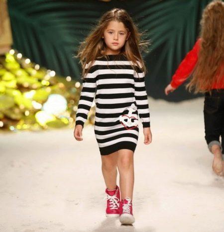 Зимнее трикотажное платье для девочек