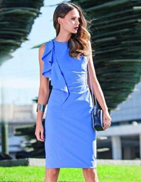 Платье-футляр с воланом своими руками