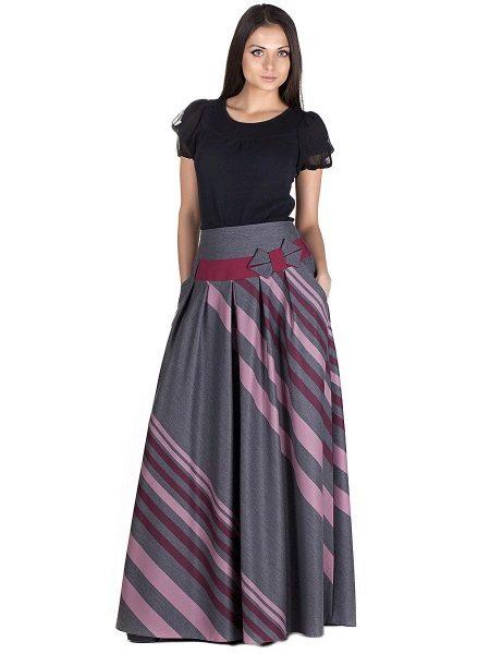 серая юбка в диагональную полоску
