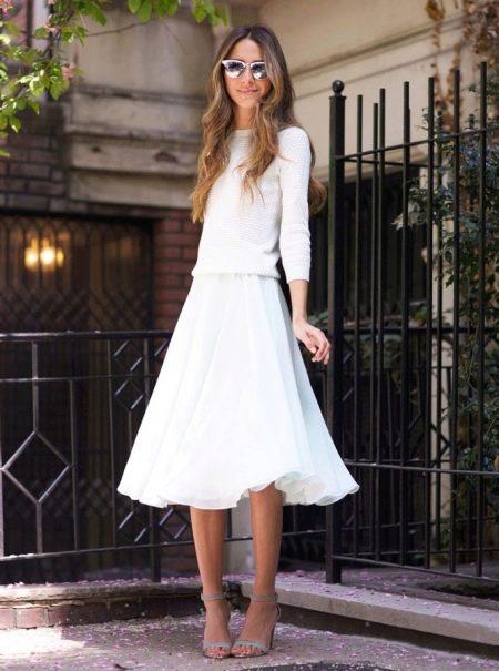 Юбка в белом цвете ниже колена для девушек с фигурой типа стройная колонна