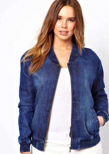 66fa577a57d И в 2016 году модницам стоит пополнить гардероб стильными джинсовыми вещами
