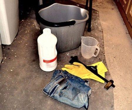 Как отбелить джинсы в домашних условиях: белизной без кипячения, с помощью отбеливатели и перекиси водорода, сделать светлее