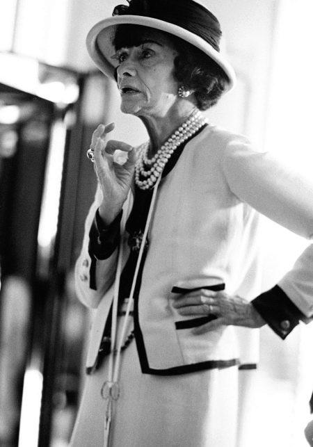 Жакеты в стиле Шанель (45 фото): твидовые модели