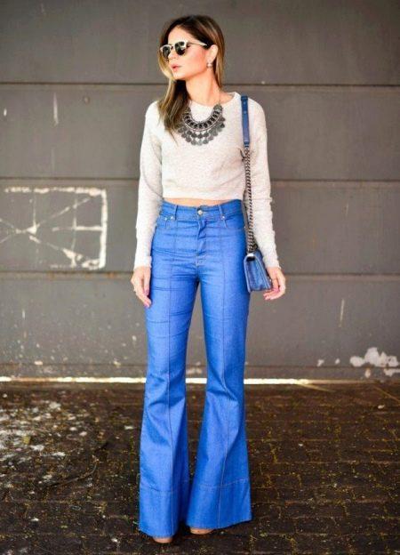 Брюки клеш 2018 (124 фото): женские расклешенные модели от бедра, с чем носить и как выбрать стильные брюки