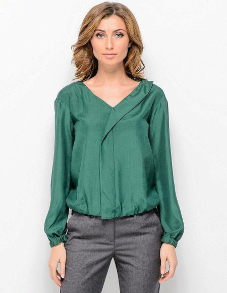 7912f59dc83 Шелковая рубашка (65 фото)  с чем носить женскую рубашку из шелка ...