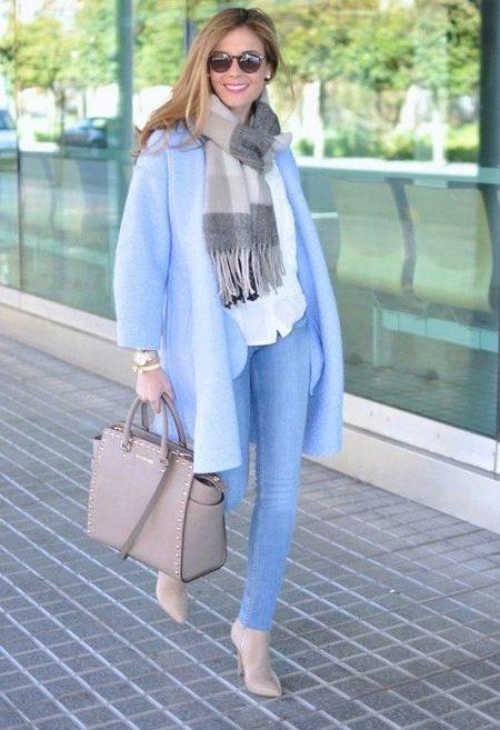 Картинки по запросу пальто голубого или розового цвета