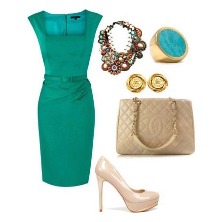 Сочетание зеленого платья с туфлями