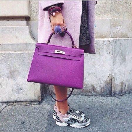 08c5f0191322 Довольно высокая подошва является преимуществом для невысоких девушек. И  вообще, такая обувь, по утверждению ее хозяек, словно специально создана  для ...