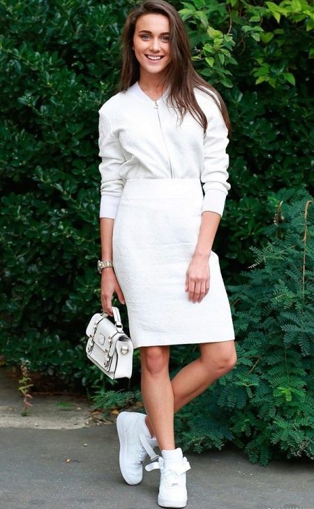 Шифоновое Платье С Кедами Белыми